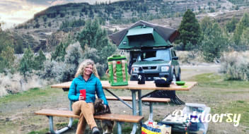 Emmylou: Honda Element w CVT Rooftop Tent