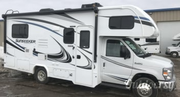 2019 Forest River SunSeeker 2290S 25' - C5