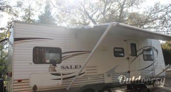 2011 Forest River Salem- FREE DELIVERY!!