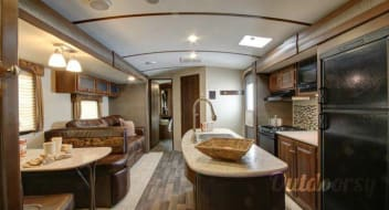 The Pampered Camper : 2015 Keystone Bullet Premier 34 BHPR