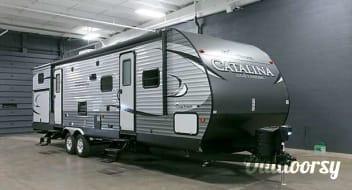 2017 Coachmen Catalina 32' - Super Clean w/ No Extra Fees