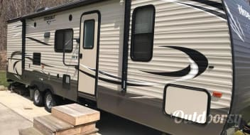 2016 Keystone Hideout 32' Travel Trailer onsite in South Haven Michigan