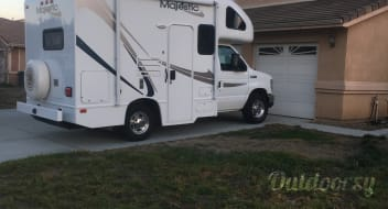 2012 Thor Motor Coach Four Winds Majestic