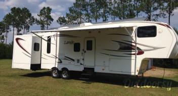 2010 36' Laredo 321BH (We Deliver)