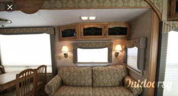 2006 Forest River Cedar Creek Fifth Wheel