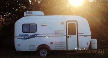 2003 Casita Spirit Deluxe- Affordable beach house on wheels!