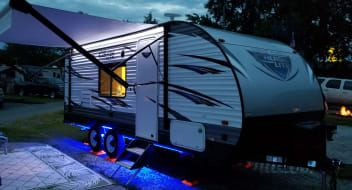 2018 Forest River Salem Cruise Lite 201BHXL, Light Weight, Luxurious, All Packed, Clean & Ready to Tow Hotel on Wheels - $99/NIGHT LIMITED TIME SPECIAL OFFER!