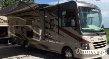 "2015 Coachman Pursuit ""Marvin""."