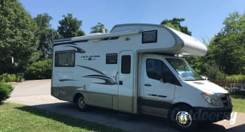 Enjoy this RV in the Smoky Mountains!