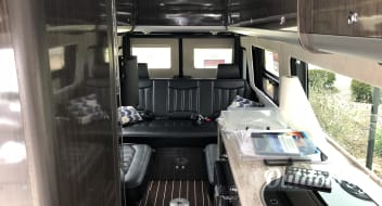 2016 Airstream Sprinter Lounge EXT