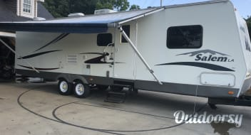 2006 Forest River Salem 33 Ft Camper
