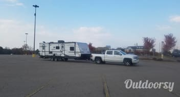 Full Valet Service to Canyon Lake and New Braunfels: 2016 Heartland Pioneer (30 ft)
