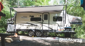 2018 Coachmen Freedom Express 23 TQX