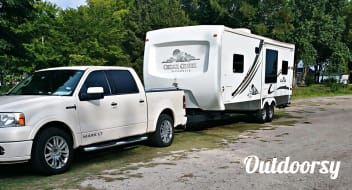 2005 Forest River Cedar Creek Silverback