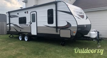 2019 Starcraft Autumn Ridge Outfitter 26BH Less Than 1 Mile From the Chicagoland Speedway in Joliet!