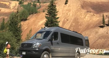 Mercedes-Benz 4x4 Sprinter Van/Safari Condo conversion
