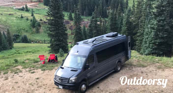 Mercedes Benz 4x4 Sprinter Van/Safari Condo conversion