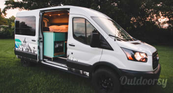 The Mad Hatter - 5 Person Campervan