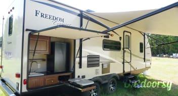2016 Coachmen Freedom Express