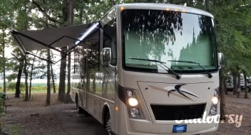 "2018 Thor Motor Coach Freedom Traveler "" Lucy """