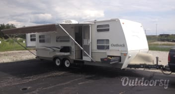 2004 Keystone Outback - Don't judge it by it's age.. it's immaculate!