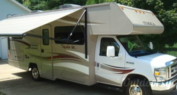 2014 Winnebago Itasca Spirit. Easy to drive!