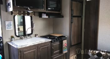 Family Camper with Bunk Beds (Local Delivery Available)