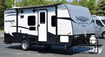 2017 Keystone Springdale Summerland - Delivery and set-up available