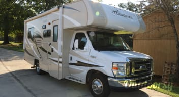 2015 Coachmen Leprechaun 21' fully equipped & easy to drive
