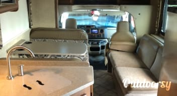 2015 Thor  Four Winds 31 Foot Class C Motor Coach