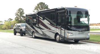 ***UNLIMITED MILES*** Luxury Diesel Pusher!! Berkshire by Forest River :)
