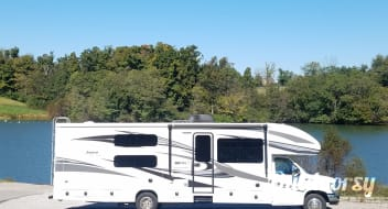 2018 Jayco Greyhawk 32' Bunkhouse  **Delivery Available**