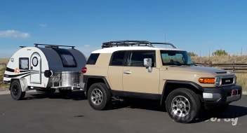 2014 Toyota FJ Cruiser with T@G XL Outback Edition Teardrop Package