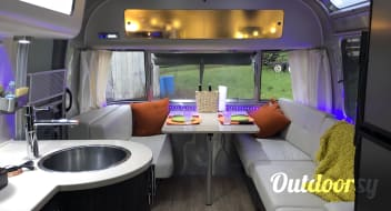2016 Airstream International