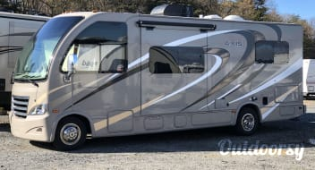 2016 Thor Axis Class A on a 25'Class C chassis **Free **WiFi,Roku,and Netflix!!