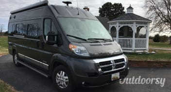 2019 Winnebago Travato 59K -- linens included