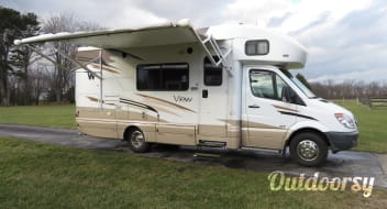 2011 Winnebago View **SPECIAL RATE FOR LONG TERM WINTER RESERVATION**