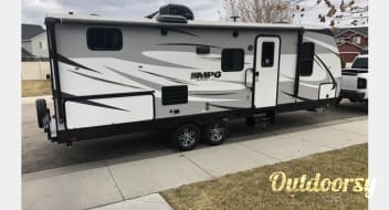 2019 Cruiser Luxury Trailer