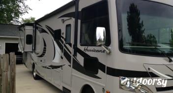 2013 Thor Motor Coach Hurricane