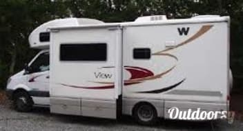 "2008 Winnebago View (""Beastie"")"