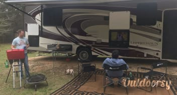 "Ruby the Leprechaun - 2019 Coachmen 32' 11"" RV"