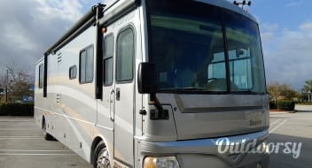 Daytona International Speedway Delivered  Special  38N   Fleetwood Bounder - No ADD ON'S - Beautiful
