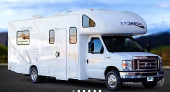 2011 Thor Motor Coach Four Winds Majestic