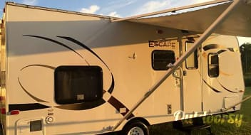 2012 K-Z Manufacturing Spree Escape E196 - Lightweight bunkhouse sleeps up to 6