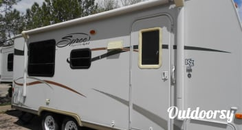 Affordable and Comfortable RV Getaway