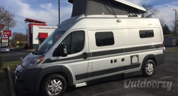 2019 Hymer Activ with Loft! A true Class B for 4!