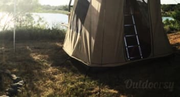 2018 Hidden Ranch Off-Road Roof Top Tent camping Trailer
