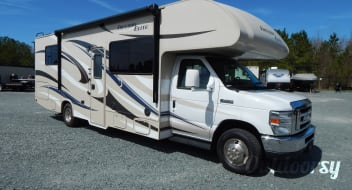 2015 Thor Motor Coach Freedom Elite 28H