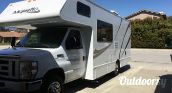 2015 Thor Motor Coach Four Winds Majestic