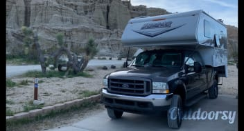 2019 Lance 850 truck camper Motorhome combo